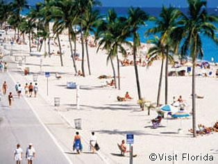 フロリダ|フロリダ ビーチ  世界中から観光客を惹きつけるフロリダのビーチ テーマパークも道幅も